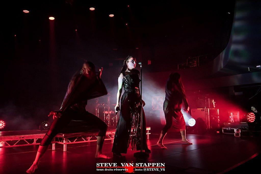 BANKS-STEVE-VAN-STAPPEN-18large1517499409.jpg