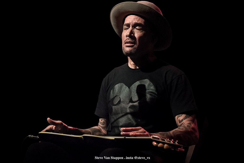 BEN-HARPER-17-STEVE-VAN-STAPPEN-copyright-exclusive-rightlarge1523861582.jpg