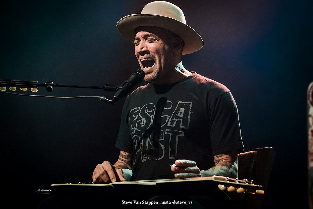 BEN-HARPER-5-STEVE-VAN-STAPPEN-copyright-exclusive-rightlarge1523861591.jpg
